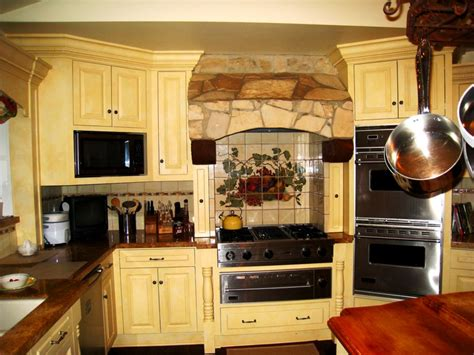 tuscan style kitchen cabinets tuscan kitchen decor ideas unique hardscape design to