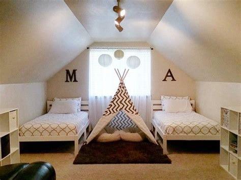 boy schlafzimmer ideen deko ideen f 252 r ein geteiltes kinderzimmer f 252 r jungs und