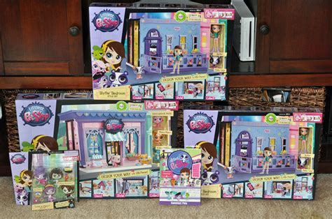 littlest pet shop houses reliving my childhood with the littlest pet shop style sets mommy s fabulous finds