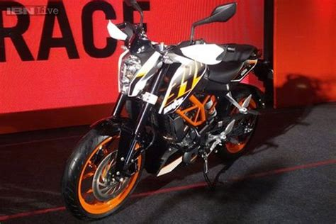 Price Of Ktm 390 In India Bajaj Hikes Prices Of The Ktm 390 Duke By Rs 7000 In India
