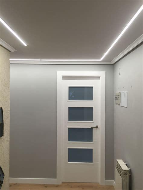 luces empotradas en el techo hall iluminado con tiras de leds empotradas en el techo