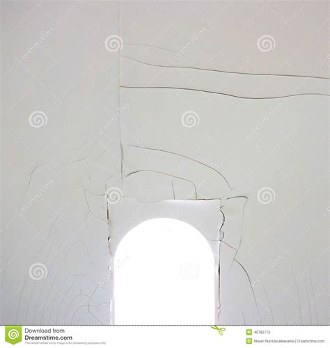 crepe sul soffitto crepe sul soffitto immagine stock immagine di materiale