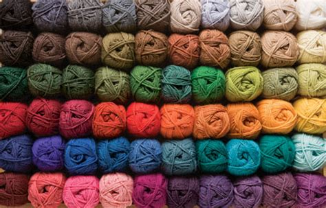 how to knit with two colors of yarn wool of the andes worsted yarn knitting yarn from