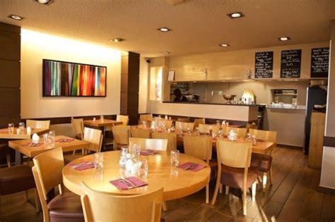 la salle de restaurant picture of le bistro du rhone