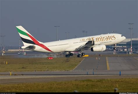 emirates a330 a6 ekz emirates airlines airbus a330 200 at prague