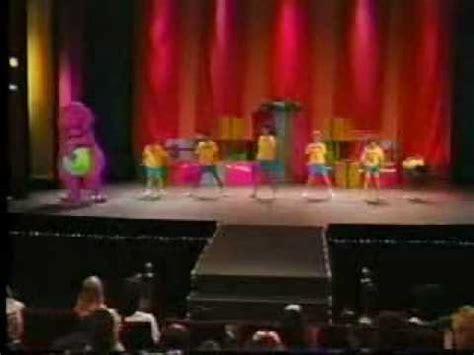 we are barney and the backyard gang barney en concierto parte 1 youtube