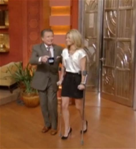 what type of shoo does kelly ripa use ankle injury and still wearing high heels general