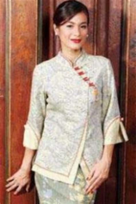 Cardigan Batik Danar Hadi models dresses and muslim on