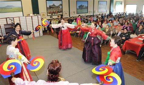 new year koreatown la koreatown gets ready for seollar the korea times