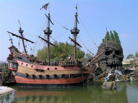 schip pirates of the caribbean disneyland paris pirates of the caribbean ship 2 flickr