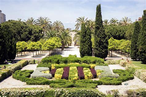 the turia riverbed park perfect for jogging valencia
