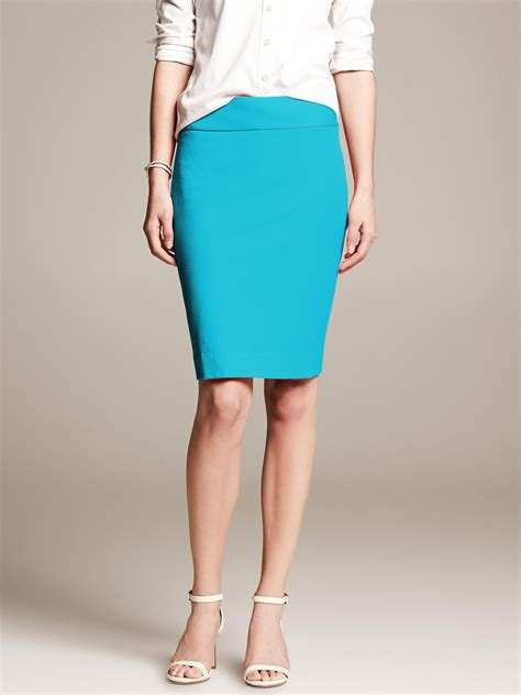 banana republic sloan fit pencil skirt totally turquoise