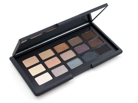how to use eyeshadow palettes correctly eyeshadow palette