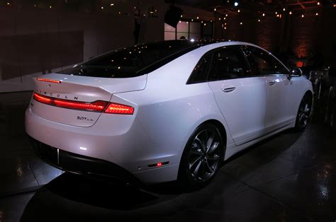 2017 buick lacrosse vs lincoln mkz an auto show matchup