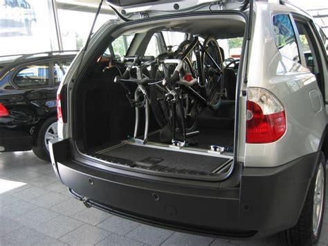 Fahrradhalter F R Auto Innenraum by Innenraum Fahrradtr 228 Ger Schiene F 252 R Volvo V70 Mit