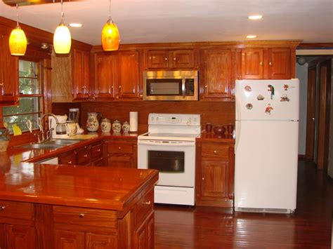 cherry mahogany kitchen cabinets u haul self storage mahogany kitchen cabinets