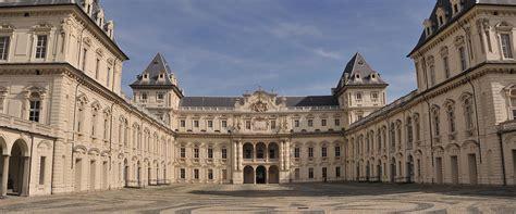 appartamenti parigi centro economici vacanze e appartamenti a torino economici holidu