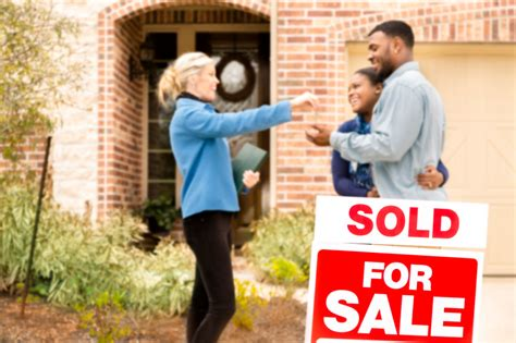 4 reasons for real estate agents to carry their own e o