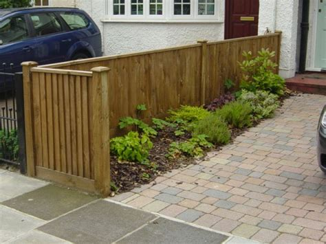pictures of fences worked on by fencing company stanwell fencing in west london