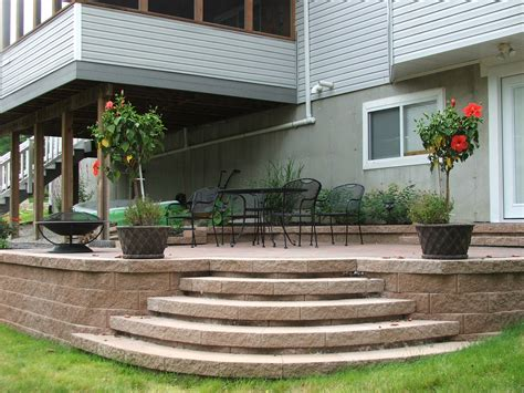 patio step ideas small paver patio paver patio with rounded edges rounded step columbus oh patio ideas