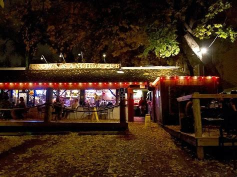top bars austin 5 top austin bars open on christmas and set for a party
