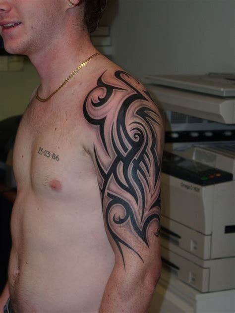 guys with tribal tattoos half sleeve tattoos for tribal and half sleeve