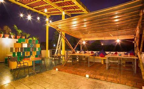 unique concept cafes  restaurants    india