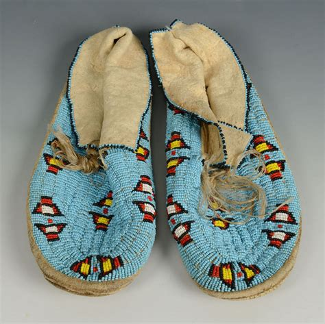 beaded moccasins lot 395 pair sioux beaded moccasins