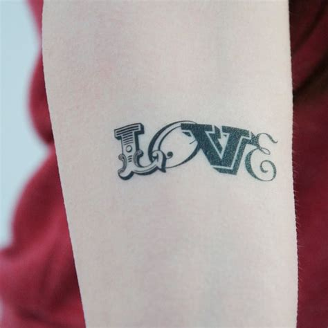 tattoo love fonts 1000 imagens sobre tattoo lettering and fonts no