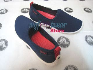 Sandal Wanita Megan Slip On Shoes Navy Blue Biru Isa myfootwearstore pusat sepatu crocs murah surabaya duet