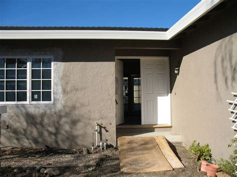 the exterior paint color is dunn edwards bison beige exteriors paint colors