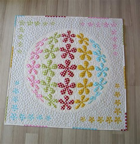 How To Design A Quilt by 3d Flower Applique Quilt Pattern 6 Designs Are Included