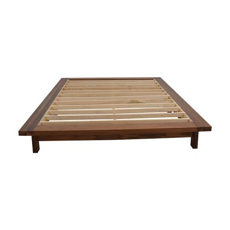 room and board platform bed 30 off room board room board co queen walnut