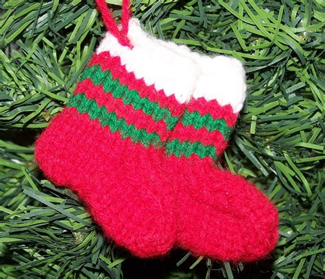 knitting pattern for christmas tree stocking damsel quilts crafts little knitted stocking ornaments