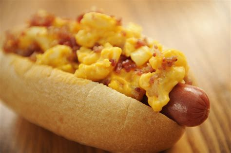 mac and cheese with dogs national day celebration with freebies toppings 2016