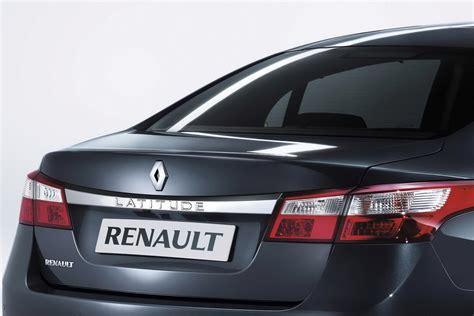 renault latitude sedan takes flagship spot  range carscoops