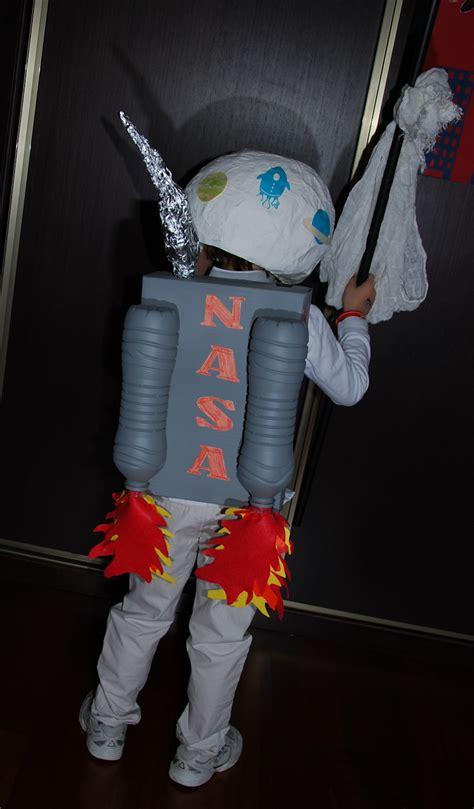 astronauta de material reciclado disfraz de astronauta y de sistema solar para ni 241 os