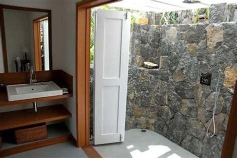 merencanakan kamar mandi konsep terbuka media informasi tentang arsitektur