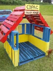 cabane de jardin en palette bois pour enfant