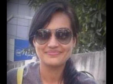 surbhi jyoti zoya caught  makeup   street