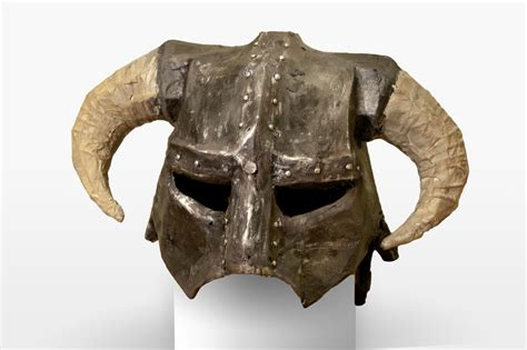 How To Make Iron Helmet With Paper - how to make a skyrim iron helmet from paper to prop