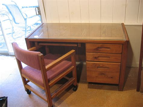 this end up desk this end up desk with glass top and chair sturdy