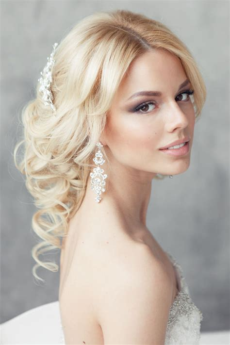Wedding Hairstyles Magazine by Fabulous Wedding Hairstyles Bridal Updos The Magazine