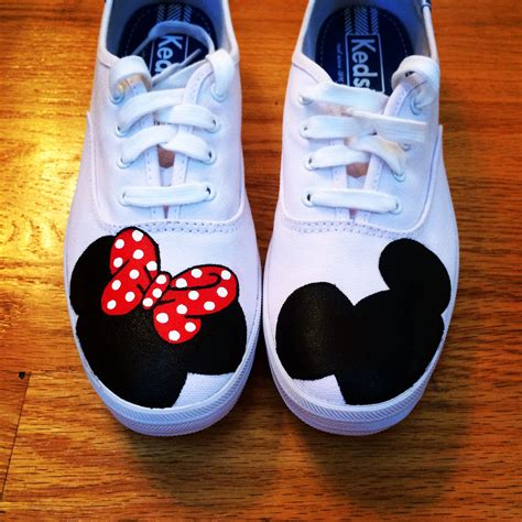 mickey sneakers painted minnie and mickey mouse s on my keds