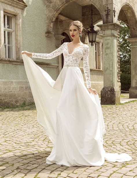 Summer Style Lace Long Sleeve Wedding Dresses 2016 V Neck