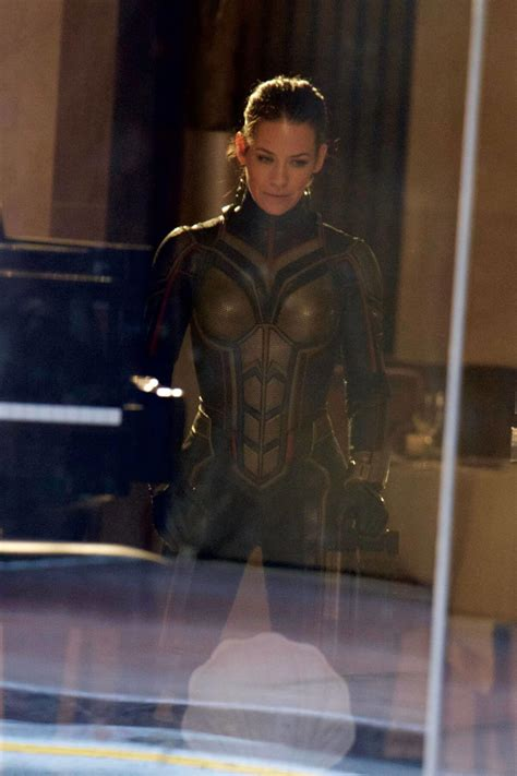 evangeline lilly stills on the set of antman and the wasp