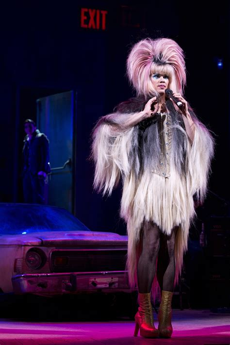 andrew and the angry inch hedwig girls star andrew rannells on his unlikely hedwig