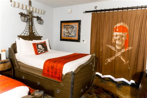 caribbean pirate room awesome caribbean pirate rooms disney world travelingmom