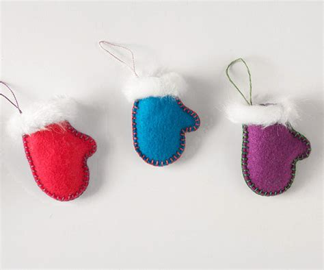 felt christmas projects make a felt mitten and skate ornament