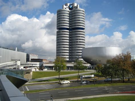 inside bmw headquarters quot bmw a driving obsession quot a look inside bmw